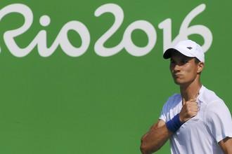 Российский теннисист Евгений Донской в матче второго круга олимпийского турнира в одиночном разряде обыграл 12-ю ракетку мира испанца Давида Феррера со счетом 3:6; 7:6 (7:1); 7:5