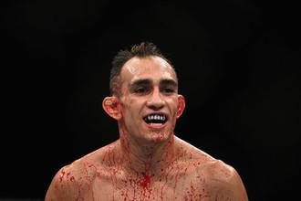 Американец Тони Фергюсон вновь подерется за временный пояс UFC