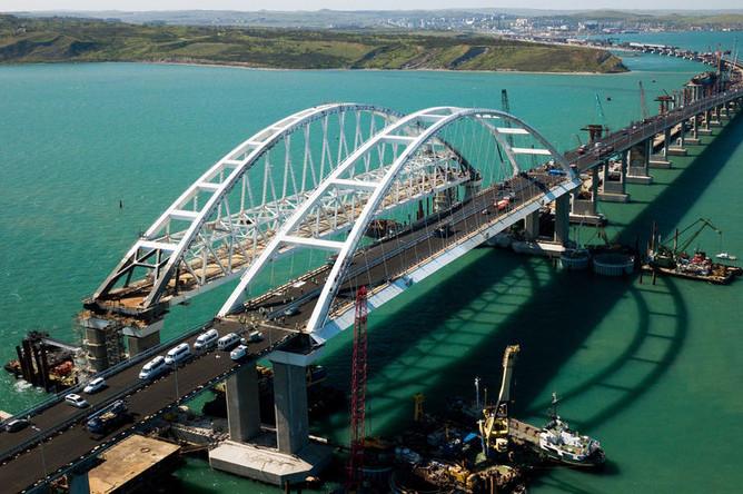 Строительство Крымского моста и автомобильных подходов со стороны Краснодарского края, апрель 2018 года
