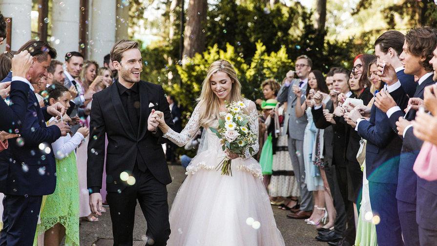 Женился самый популярный YouTube-блогер