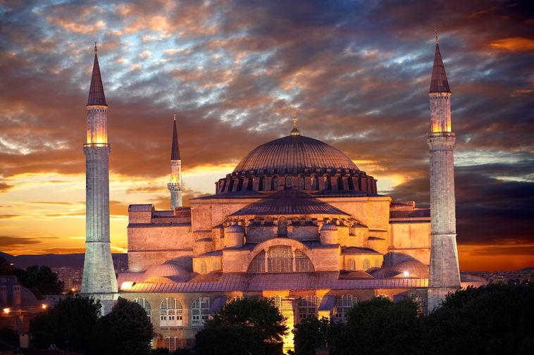 Вид на собор Святой Софии в Стамбуле