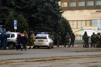 Вооруженные люди в центре Луганска, 21 ноября 2017 года