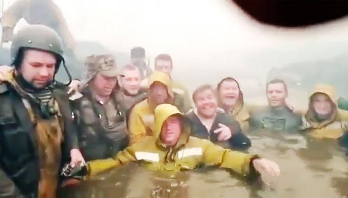 «Огонь, как из паяльной лампы»: как ручей спас пожарных-десантников