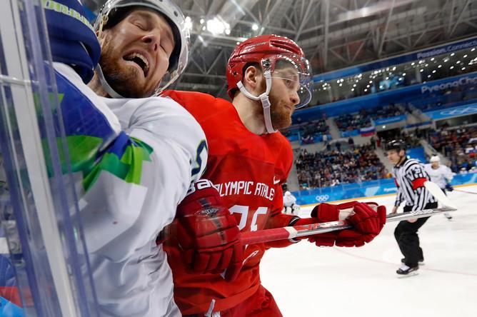 Во время хоккейного матча Россия-Словения на Олимпиаде в Пхенчхане, 16 февраля 2018 года