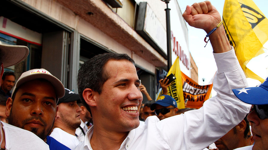 Оппозиционный лидер и самопровозглашенный президент Венесуэлы Хуан Гуайдо во время митинга в Валенсии, 24 августа 2019 года