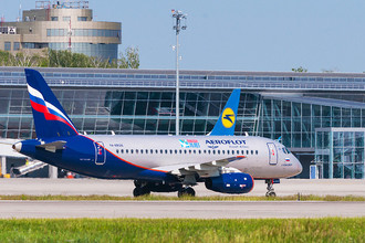 Sukhoi Superjet 100-95b авиакомпании «Аэрофлот» в международном аэропорту Борисполь, Украина