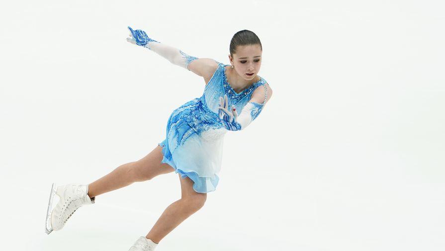 Камила Валиева выступает в короткой программе командного турнира Кубка Первого канала по фигурному катанию