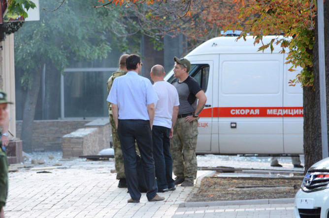 У кафе «Сепар» в Донецке, после взрыва в котором погиб глава ДНР Александр Захарченко, 31 августа 2018 года
