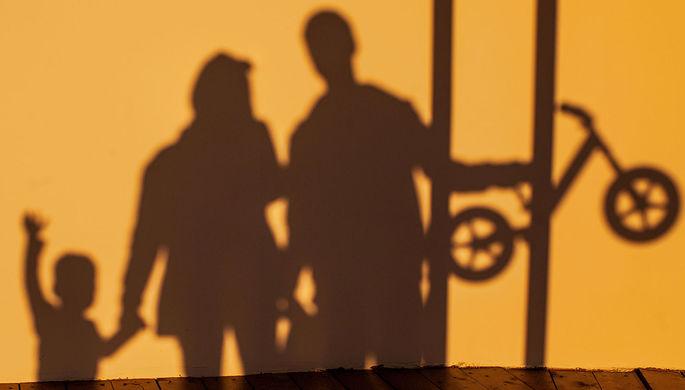 «Родитель №1 и родитель №2»: как отменяют мам и пап