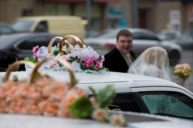 Как рассказала РИА «Новости» пресс-секретарь столичного управления ЗАГС Евгения Смирнова, число желающих зарегистрировать брак по сравнению с обычными днями ноября увеличилось в два раза