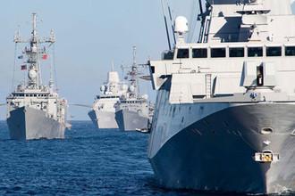 «Вышли на прогулку»: Россия следит за эскадрой НАТО в Черном море