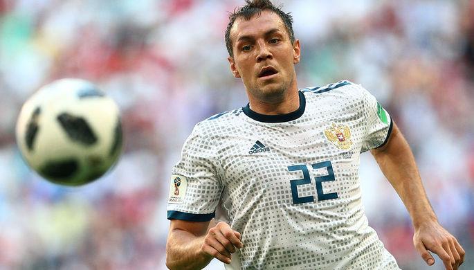 «Стыдно перед женой»: кого любят российские футболисты