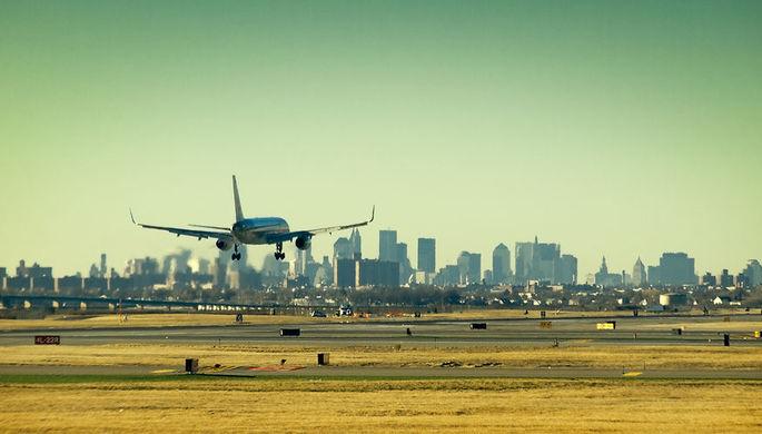 Длинный язык: за что авиакомпании в США блокируют клиентов