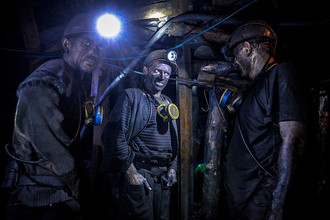 Шахтеры на шахте «Глубокая» в Шахтерске
