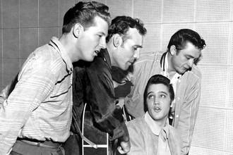 Джерри Ли Льюис, Карл Перкинс, Элвис Пресли и Джонни Кэш, 1956 год