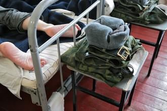 Родители призывников считают, что причиной эпидемии, валившей солдат с ног, стала форма от Юдашкина