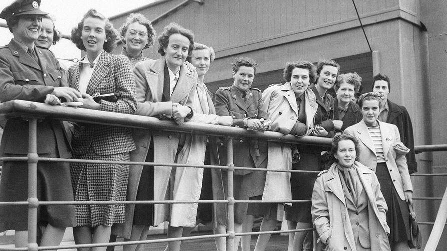 Канадские девушки-волонтеры после прибытия на службу в Англию, сентябрь 1941 года