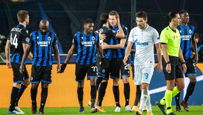 Игроки «Брюгге» радуются забитому голу в матче 5-го тура группового этапа Лиги чемпионов против «Зенита»