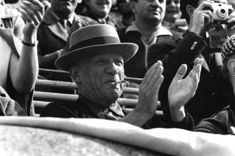 Франция, 1957 год. Пабло Пикассо смотрит корриду