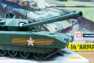 Сборная модель танка Т-14 «Армата» на фабрике «Звезда» в Лобне, 2016 год