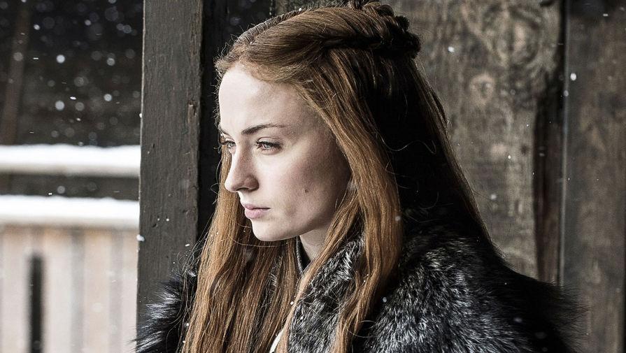В возрасте 15 лет Софи Тернер решила попробовать себя на кастинге в сериал «Игра престолов». Ее взяли в проект вместе с Мэйски Уильямс, с которой они познакомились на пробах