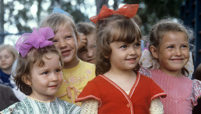 Воспитанницы детского сада «Солнышко» совхоза «Россия», 1986 год