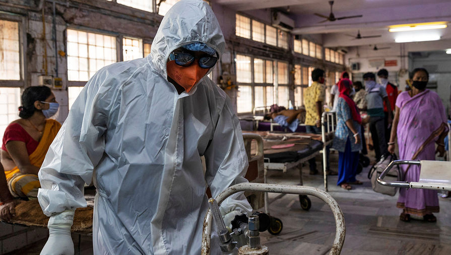 В Индии за сутки от коронавируса привились больше миллиона человек