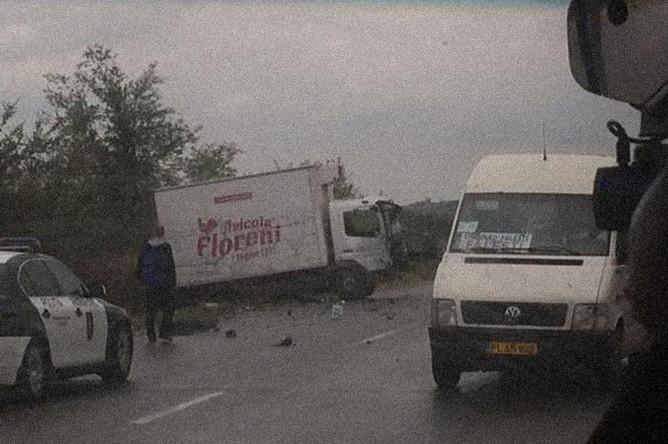 Машина из президенсткого кортежа президента Молдавии Юрия Додона попала в аварию, 9 сентября 2018 года
