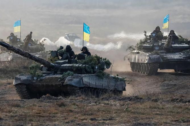 Во время военных учений Десантно-штурмовых войск Украины под Житомиром, 21 ноября 2018 года