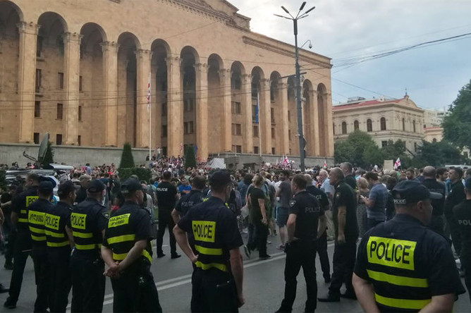 Во время акции протеста против выступления российских депутатов в Грузии, 20 июня 2019 года
