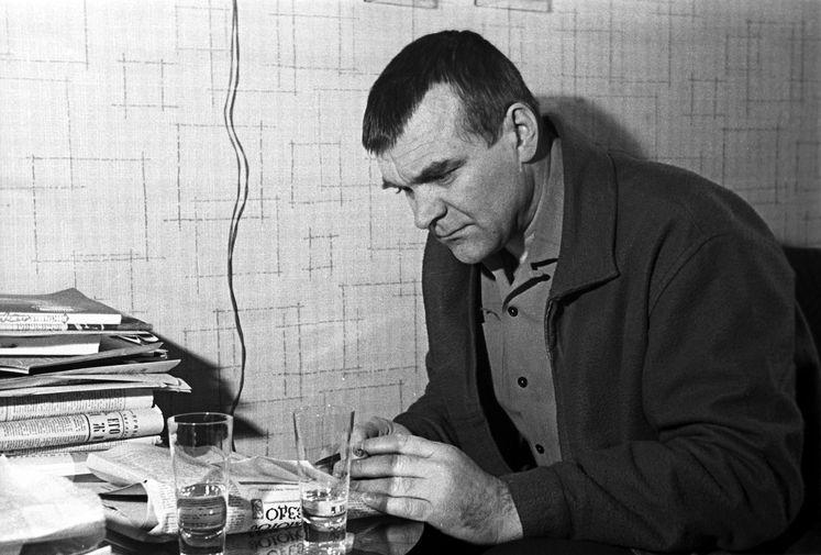 Писатель Юрий Бондарев, 1968 год