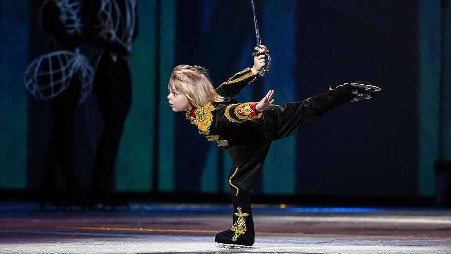 Александр Плющенко выступает в ледовом шоу «Щелкунчик 2» в СК «Олимпийский» в Москве