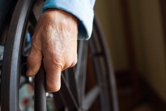 В Екатеринбурге инвалид-колясочник отсудил 100 тысяч рублей у кафе