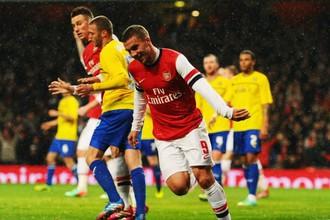 Дубль Подольски помог «Арсеналу» в победе над «Ковентри»