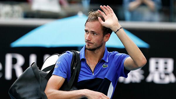 Медведев недоволен собой после победы во втором круге турнира в Нью-Йорке