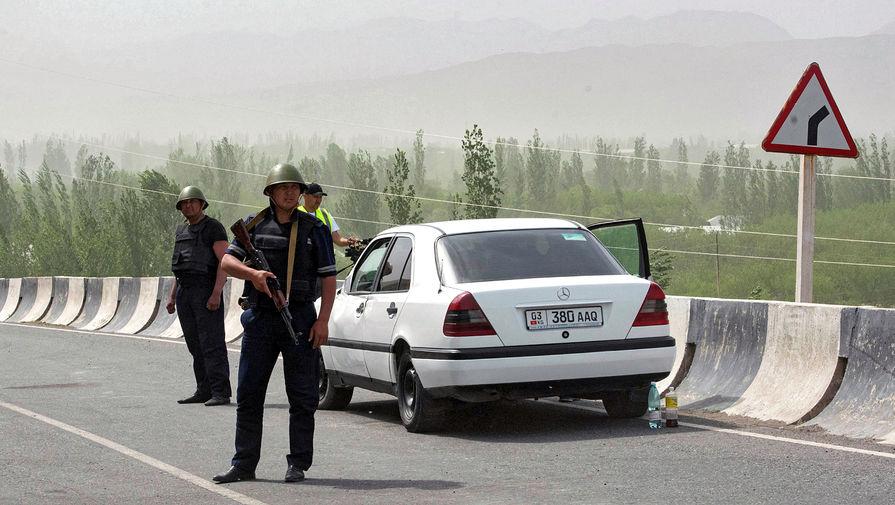 Один из районов Киргизии оказался в изоляции из-за конфликта на границе с Таджикистаном