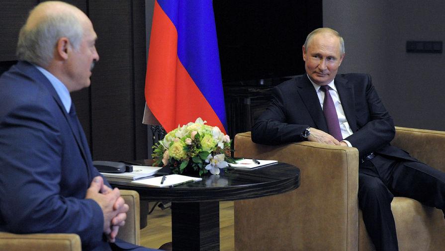 Президент РФ Владимир Путин и президент Белоруссии Александр Лукашенко во время встречи 28 мая 2021 года