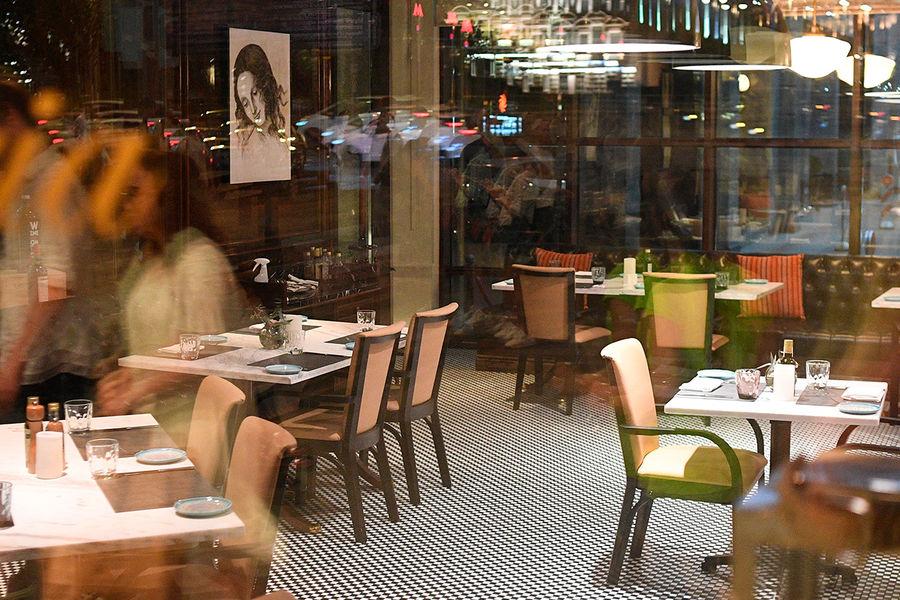 Минпромторг оценил потери ресторанов безРІРµСЂР°РЅРґ после введения QR-РєРѕРґРѕРІ РІРњРѕСЃРєРІРµ