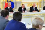 Сергей Кириенко возглавит рабочую группу по работе над законом об иностранных агентах