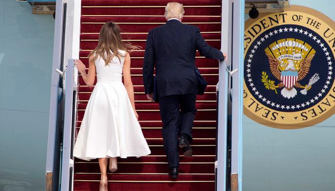 Президент США Дональд Трамп и его жена Меланья на трапе борта номер один в аэропорту Бен-Гурион...