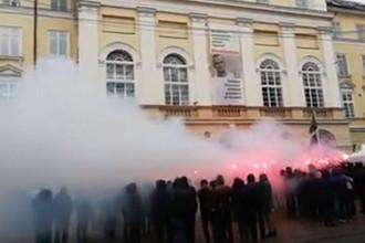 Штурм горсовета во Львове: мэрия винит Порошенко