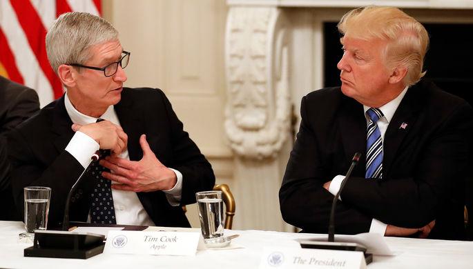 «Помогал им»: Трамп обвинил Apple в измене