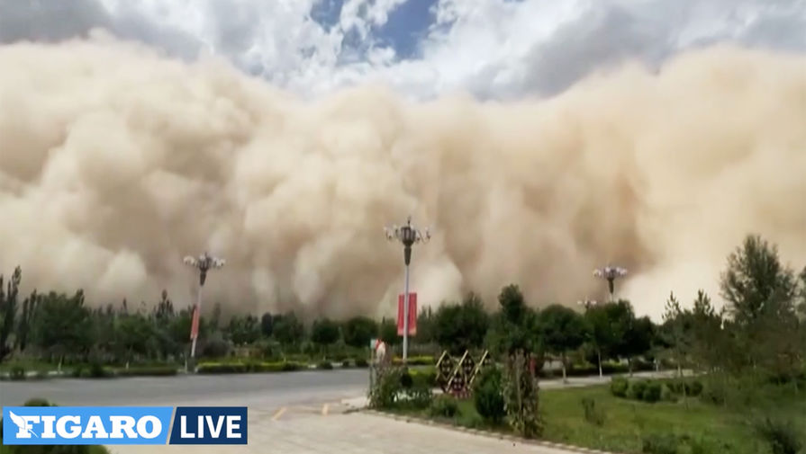В Китае древний город накрыла песчаная буря
