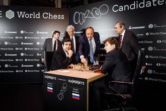 Российские гроссмейстеры Сергей Карякин и Владимир Крамник на турнире претендентов в Берлине