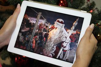 Самарского Деда Мороза оградили от детей железной решеткой