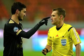 Магомед Оздоев (слева) уверен в себе и своей команде