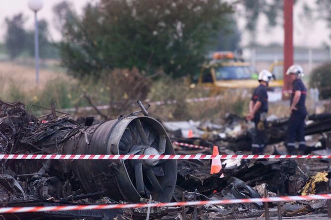 В катастрофе погибли 100 пассажиров, девять членов экипажа и четыре человека, находившихся на земле