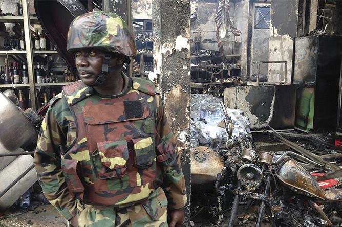 Последствия взрыва на автозаправочной станции в столице Ганы городе Аккра