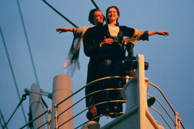 Кейт Уинслет и Леонардо ДиКаприо в фильме «Титаник» (1997)