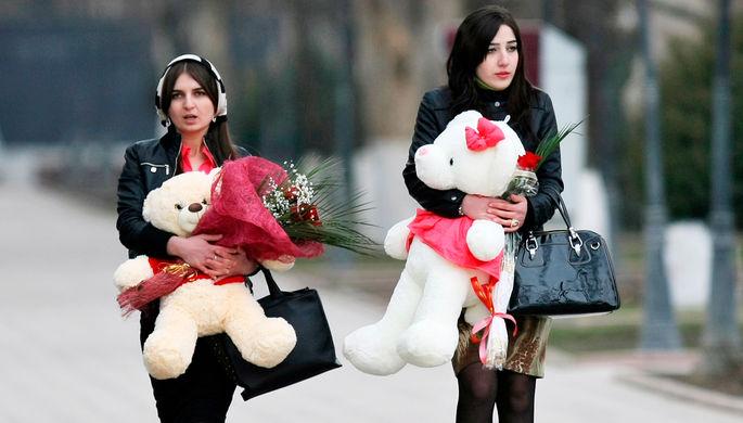 Ожидание против реальности: какие подарки хотят россияне на 23 февраля и 8 марта